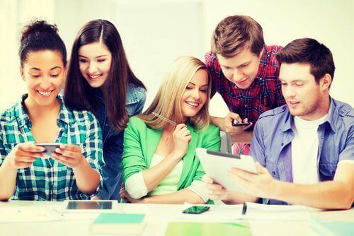 Conheça o perfil dos alunos e acompanhea frequência