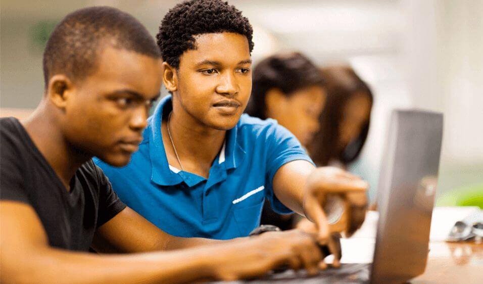 O que são atividades extracurriculares e como usá-las para atrair alunos?